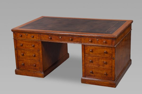 Fine Mid 19th Century Figured Oak Partners Desk by Holland and Sons
