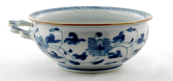 Good Chinese Export Porcelain Porringer