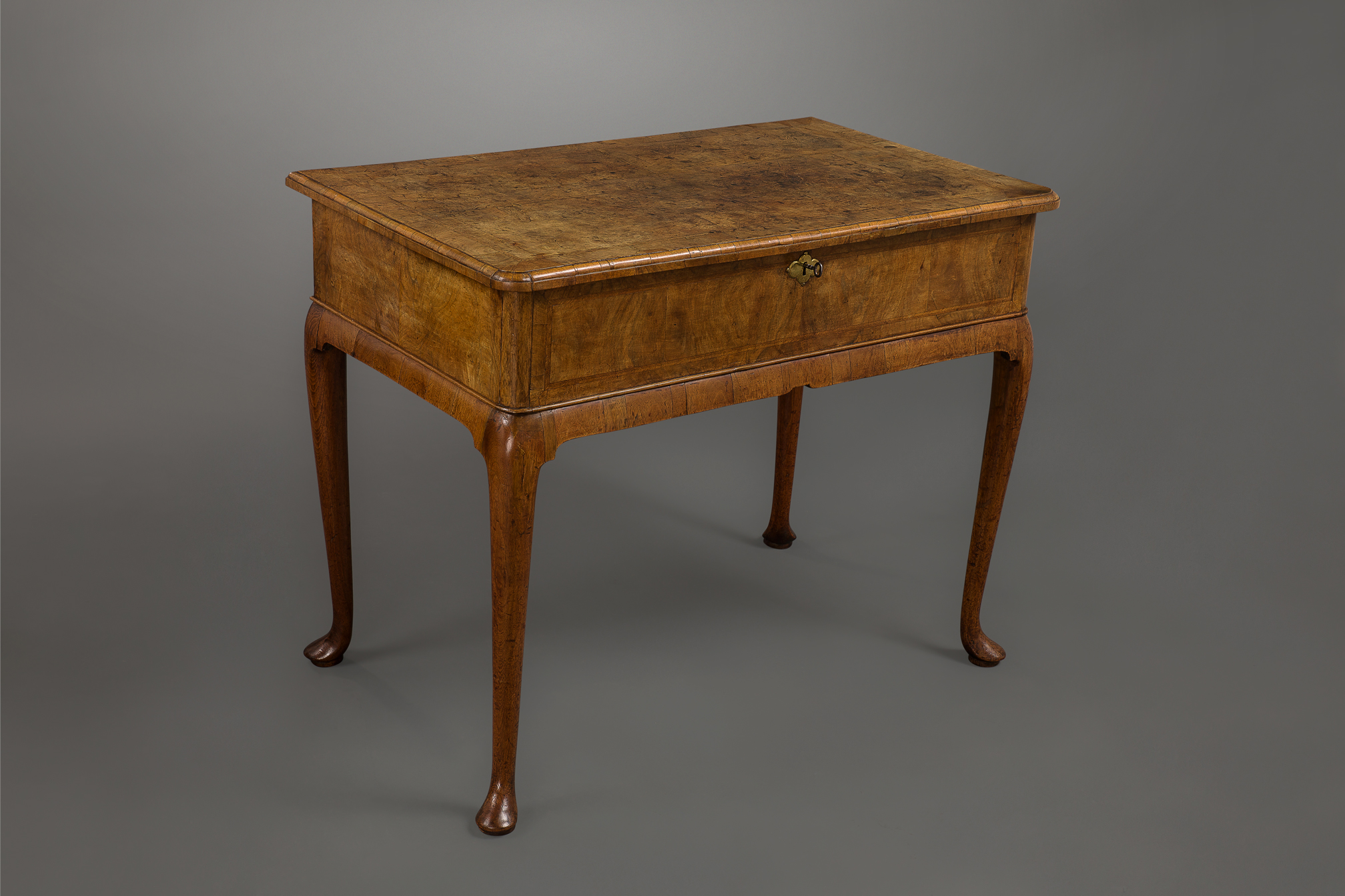 Fine Queen Anne Burr Walnut Side Table